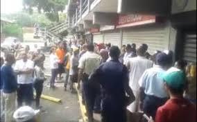 Resultado de imagen para Saquearon más de 20 comercios en Caicara del Orinoco