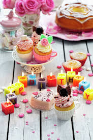 Muffins Birthday Cake Cup Cakes Roses Lighted Birthday Candles