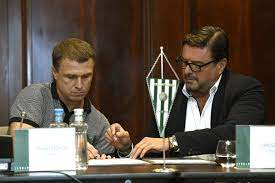 Rebrov gained international fame as an attacking partner of andriy shevchenko at dynamo kyiv throughout the 1990s and as of august 2017 is. Ukrainian Legend Replaces Doll As Manager Of Ferencvaros Hungary Today