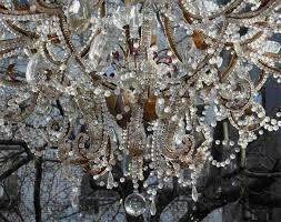 large gilt metal and crystals italian chandelier