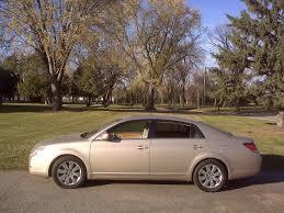 File:2005 Toyota Avalon XLS.jpg - Wikimedia Commons