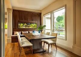 mesas de edor moderno larga mesa de madera con sillas en beige y armario de