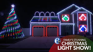 Christmas Light Show Pictures Musser Family Lights Up Delaware Neighborhood With Christmas Light Show