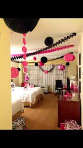 decorate a hotel room for your bachelorette party what a good
