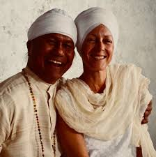 as more people search to find spiritual meaning in their lives the role of the kundalini yoga teacher takes on increasing importance