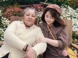 Con gái 9X đưa mẹ 77 tuổi lần đầu du lịch Đà Lạt: 'Ai cũng ước một lần'    Đời sống
