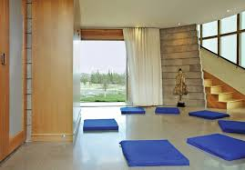 Make sure your meditation room is clean and clutter-free. Image Source:  Barrett Studio