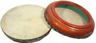 Marakas adalah alat musik tradisional dengan suara rincik dan semarak yang dihasilkan alat musik marakas identik dengan suasana angin laut yang segar di daerah pantai. 16 Contoh Alat Musik Ritmis Gambar Jenis Fungsi