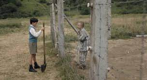 Картинки по запросу мальчик в полосатой пижаме