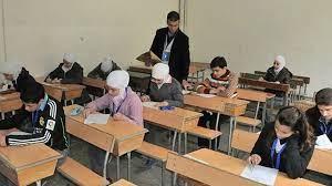 طلاب الثانوية العامة شعبة الأدبى بالدقهلية يؤدون إمتحان التاريخ اليوم