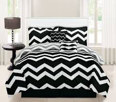 image of chevron black and white bedding
