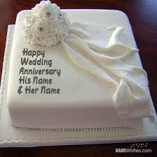 Charming And Romantic Wedding Anniversary Cake With Name