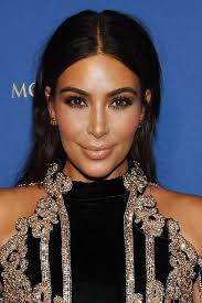 kim made an appearance at hsan las vegas in april 2016 and sported a centre parting and chic makeup