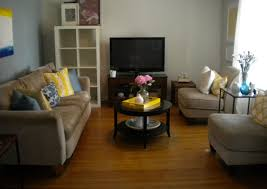 Yellow And Blue Living Room Navy Blue Yellow Living Room Add A Blue Rug And Yellow Curtains