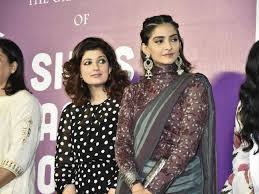 Twinkle Khanna Fashion Designing Institute In Pune Twinkle Khanna Twinkle Khanna And Sonam Kapoor Are All For