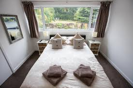 beautiful 1 bedroom apartment eltham