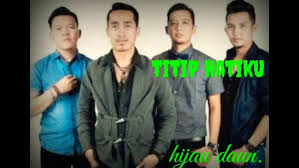 The band consists of five personnel, dide (vocal), array (guitar), arya (guitar), deny (drums), and richan (bass), has been contracted to the label, sony bmg since 31 april 2008. Hijau Daun Misteri Cinta Official Video Clip Youtube