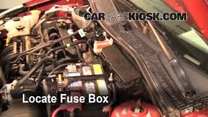 replace a fuse 2005 2007 ford focus 2006 ford focus zx4 2 0l 4 cyl