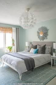 lauren from the thinking closet has a diffe take on master bedroom decorating ideas a diy nautical master bedroom reveal
