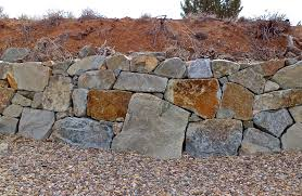 tips on building a dry stack stone wall 5 style