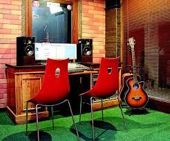 Penasaran seperti apa desain studio musik yang keren? Terbius Ketenaran The Beatles Studio Musik Bernuansa Klasik Dan British Ini Dibuat Semua Halaman Idea