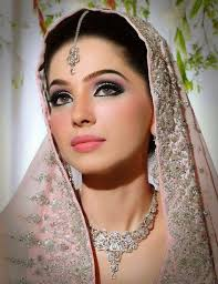 pin by noor khan on makeup bridal makeup stani bridal and makeup