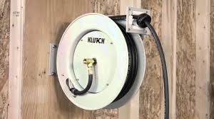 klutch heavy duty auto rewind air hose reel with 3 8in x 50ft rubber hose max 300 psi