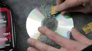 Fix a scratched disc for cheap! (Not using toothpaste! CD/DVD only)    BeatTheBush - YouTube