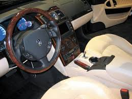 File:Maserati Quattroporte Exec GT interior at 2006 Chicago Auto ...