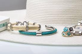 <b>Unique women's bracelets</b> – Python Paris