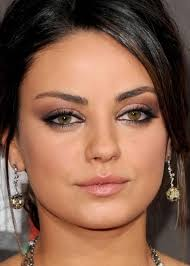 mila kunis soft eyeshadow makeup for hazel eyes