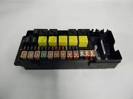 m land rover discovery v gs main fuse box yqe image is loading m6083 land rover discovery 2 v8 gs 2002