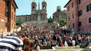 Das historische zentrum der stadt rom besteht aus 22 bezirken, genannt rioni. Auswirkungen Des Massentourismus Strengere Regeln Fur Rom Touristen Zdfheute
