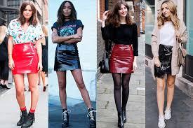 Resultado de imagem para celebridades saia de couro com bota da moda 2017