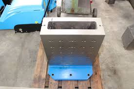machining center pallet. pallet for machining center i_02736931 t