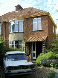 3 Bedroom House In Roseford Road, Cambridge, CB4 (3 Bed)