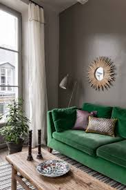 Mint Green Living Room Decor 25 Best Ideas About Green Couch Decor On Pinterest Green Sofa