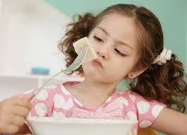 როგორ გავუღვიძოთ მადა უჭმელ ბავშვებს? ხრიკები რომლებიც აუცილებლად დაგეხმარებათ!