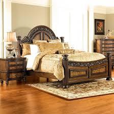Picture Of Verona Pecan 5 PC Queen Bedroom