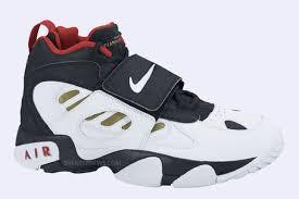 Great sanders brogues shoes, black uk 8.5, us 9,5 ,eu 42.5, very good condition. Nike Air Diamond Turf 2 Sneaker Freaker
