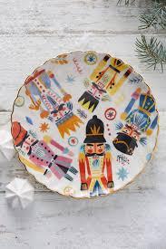Christmas Decorating Ideas. Adorable nutcracker holiday plates.