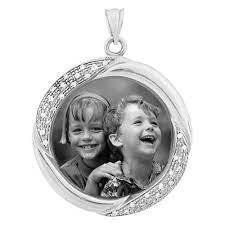 treasure white gold etched pendant