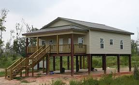 MUST SEE  This Steel Frame Prefab House Withstood Hurricane Ike    The same view from a little later in the day