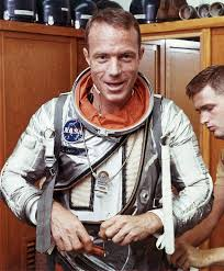 Early US Astronaut Scott Carpenter Dies at Age 88, Wife Says | Voice of  America - English