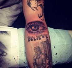 джастин бибер набил новую татуировку составили путеводитель по всем