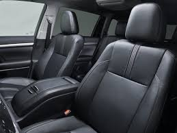 2017 toyota highlander suv le i4 4dr front wheel drive interior