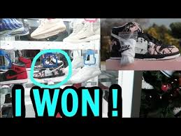 Sneaker Vending Machine For Sale Impressive Key Master Sneaker Game Winner Caught On Camera YouTube