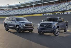 2018 toyota v8. plain 2018 2018 toyota tundra gets a mild facelift and trd sport version chicago  auto show for toyota v8