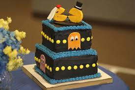 14 Fun And Creative Wedding Cakes