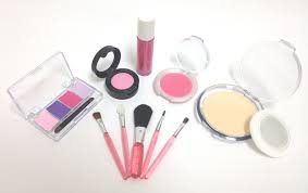 makeup kits for little girls. enter to win a little cosmetics pretend play make-up kit - ends 06/28/12 makeup kits for girls g